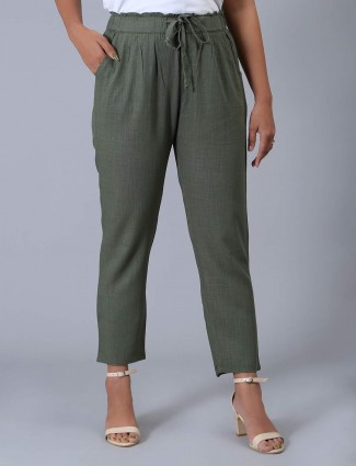 Olive solid casual pyjama in linen