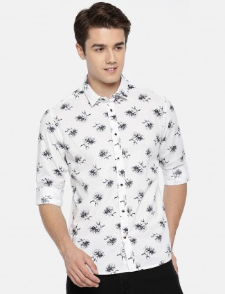 Pepe Jeans presented white printed shirt