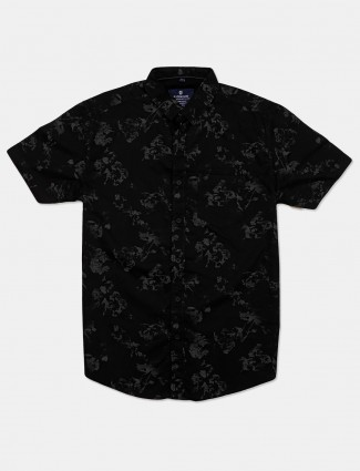 Pioneer printed black apple cut hem shirt