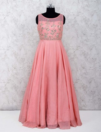 Pretty pink gown in silk fabric