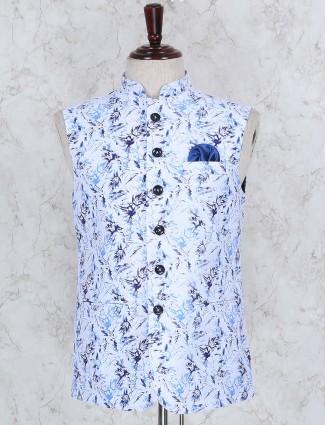 Printed white hued terry rayon waistcoat