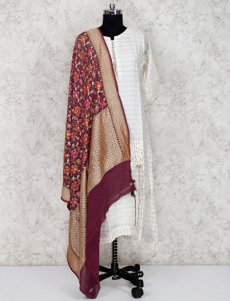 Purple dupatta in georgette