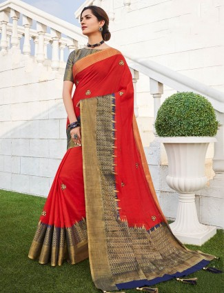 Red saree in handloom cotton fabric