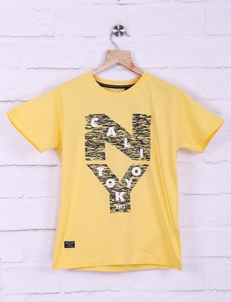 Ruff yellow hued printed pattern t-shirt