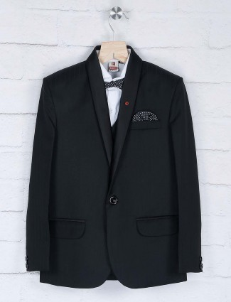 Solid black one buttoned placket coat suit