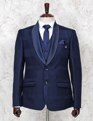 Solid navy color two buttoned placket coat suit
