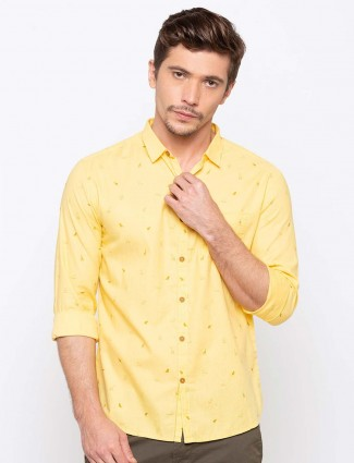 Spykar lamon yellow printed shirt