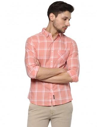 Spykar peach cotton checks slim fit shirt