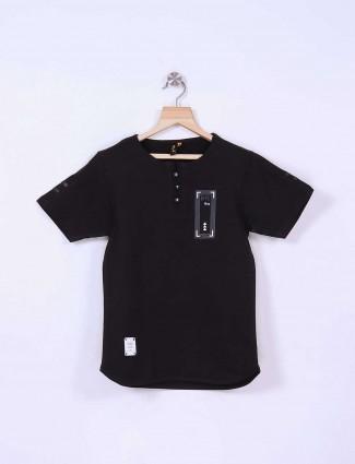 Stride simple black t-shirt