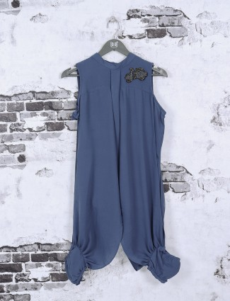 Stylish crepe fabric casual top