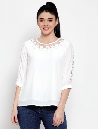 Stylish white casual top in cotton
