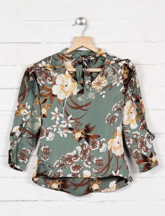 Twisty green hue floral print casual top