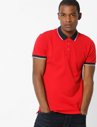UCB red solid slim fit t-shirt