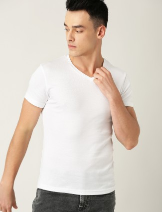 UCB white casual wear solid t-shirt