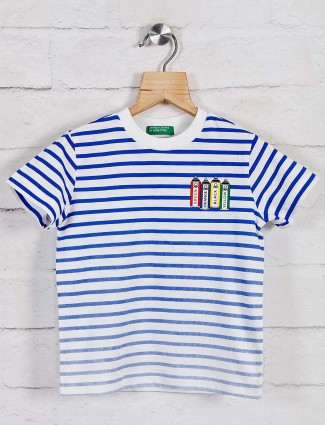 United Colors of Benetton blue and white t-shirt