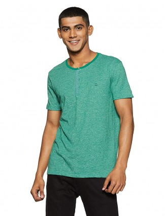 United Colors of Benetton green solid t-shirt