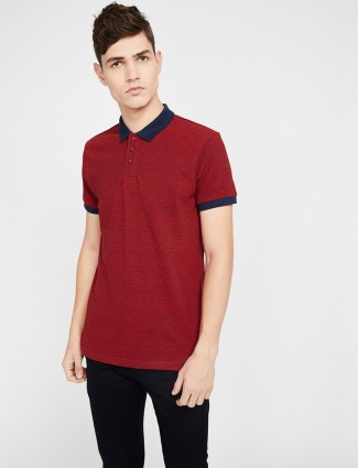 United Colors of Benetton maroon t-shirt