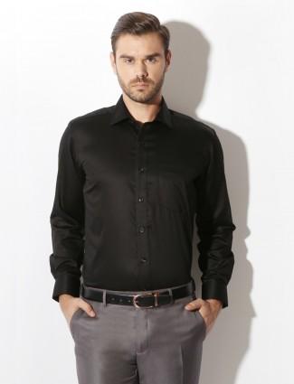 Van Heusen black solid formal shirt