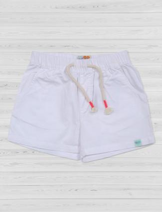 Vitamins white plain cotton shorts