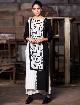 W white printed casual wear cotton kurti
