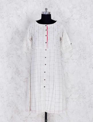 White check pattern kurti