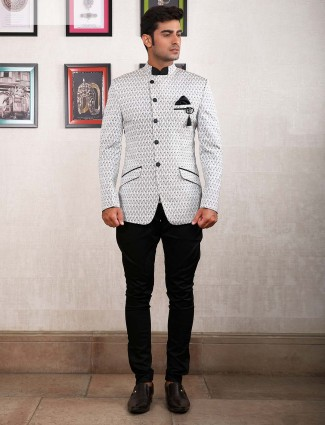 White hue stand collar pattern jodhpuri suit
