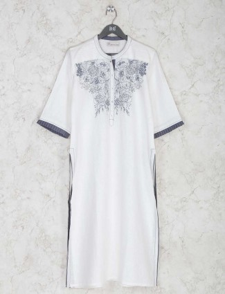 White printed kurti for festive look in cotton