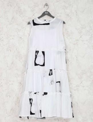 White printed kurti in cotton
