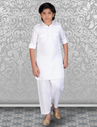 White slim fit solid cotton pathani suit for festive
