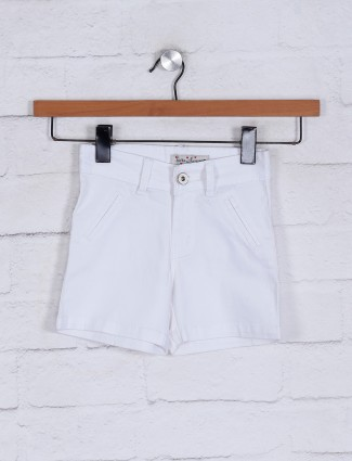White solid half pant for girls