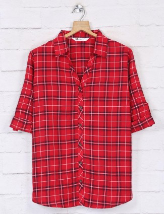 Women red cotton top in checks