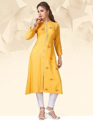 Yellow colored cotton casual fabric kurti