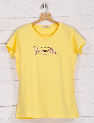 Yellow graphic casual top in cotton